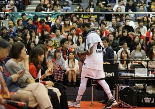 「クレイジーゲーム」、千葉対A東京で第1Qに11人が退場する異常事態
