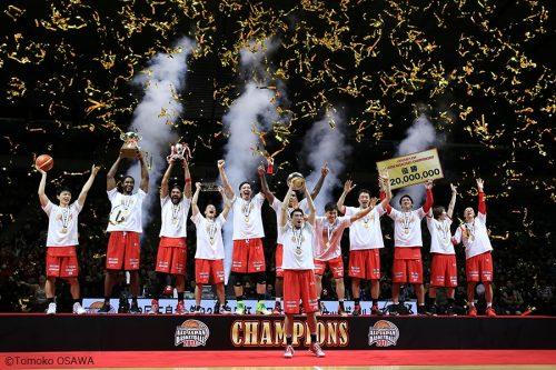 千葉がクラブ史上初タイトル、攻撃的バスケットで川崎に完勝/オールジャパン男子決勝