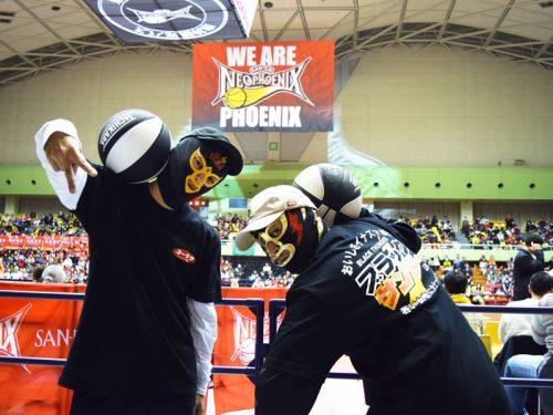 三遠ホームの豊橋市総合体育館にブラックサンダーマスクマンが登場!?