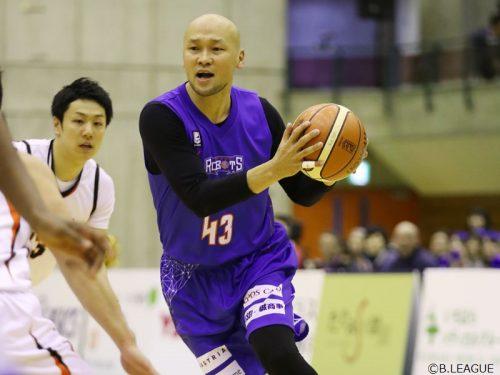 茨城が43歳岡村の監督就任を発表、これまでどおり選手も兼任