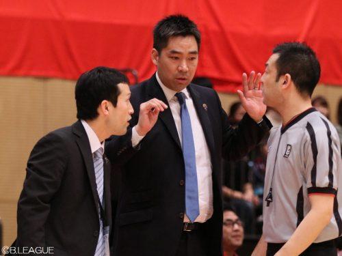 中地区5位の横浜が青木HCとの契約を解除、尺野ACが新指揮官に就任