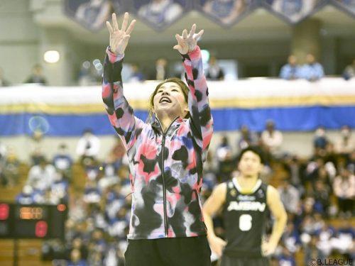 初の始球式に臨んだ吉田沙保里さん「まさか入るとは思いませんでした(笑)」