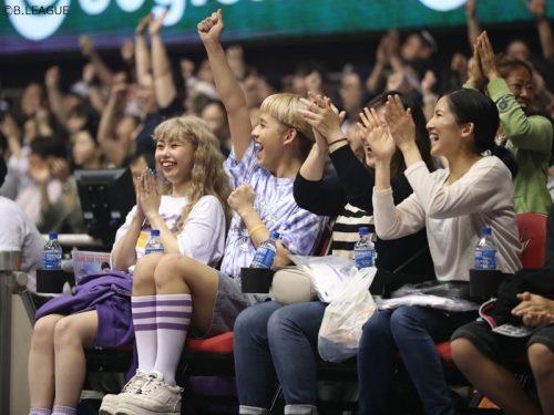 ぺこ&りゅうちぇるが琉球vs三河を観戦「とっても楽しかった!」