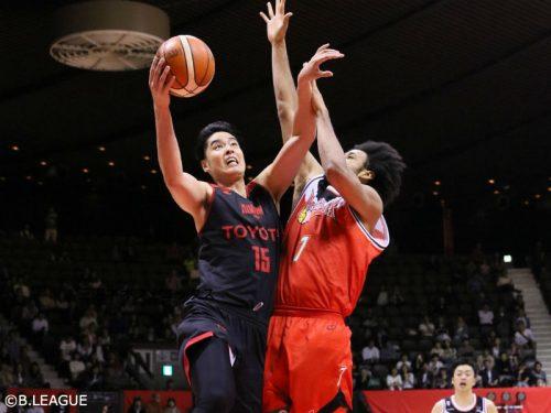 A東京が三遠を撃破、竹内譲次がシーズンハイ20得点と躍動