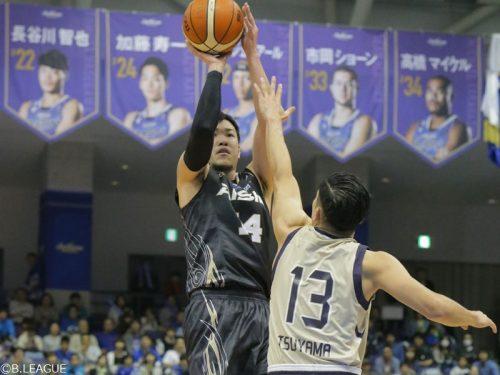 金丸晃輔が31得点の大活躍、三河が琉球に4点差の勝利
