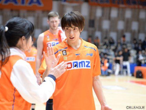 五十嵐圭が新潟残留で在籍2シーズン目へ「皆様と一緒に最後まで戦っていきたい」