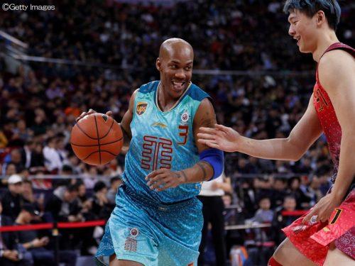 元NBAスターのマーブリーが北京で現役続行、8月には自伝映画も公開