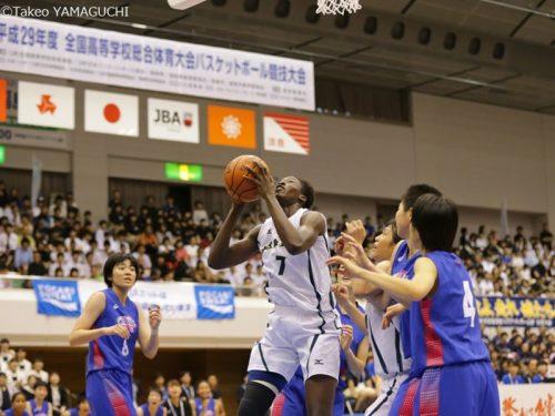 40得点28リバウンドの大活躍を見せた岐阜女子のディヤサン、力の源は「ママからもらったタオル」