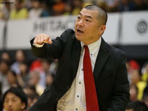 大阪エヴェッサ、3季にわたって指揮を執った桶谷HCが退任「これからの僕の財産」