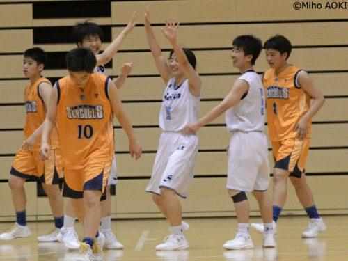 九州大会は精華女子が5年ぶり2回目の優勝、決勝で東海大福岡に競り勝つ