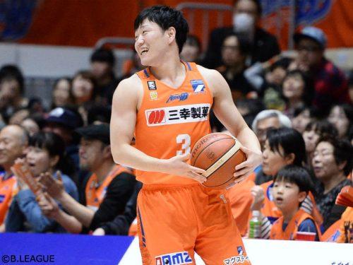 大阪エヴェッサ復帰の畠山俊樹が入籍を報告「2人力を合わせてがんばっていきたい」