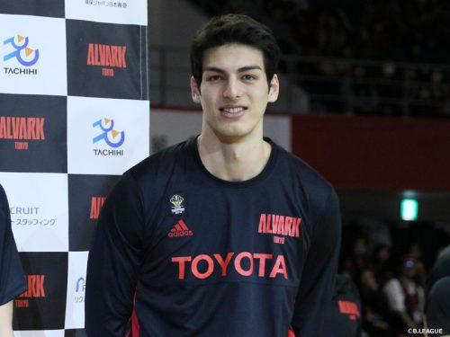 休学してプロ入り決断、シェーファーアヴィ幸樹が目指すは東京五輪「何がなんでも出たい」