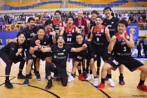 イランが首位の豪州を撃破、日本は2位で予選終了/グループF