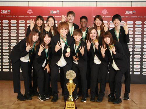 アジア4連覇を果たした女子日本代表が帰国、キャプテンの髙田真希「目標はさらに高いところにある」