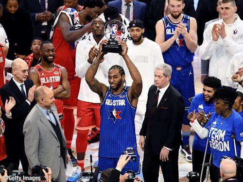 """『NBA オールスター2020』を制したのはチーム・レブロン!レナードが""""コービー・ブライアント・MVPアワード""""を受賞"""