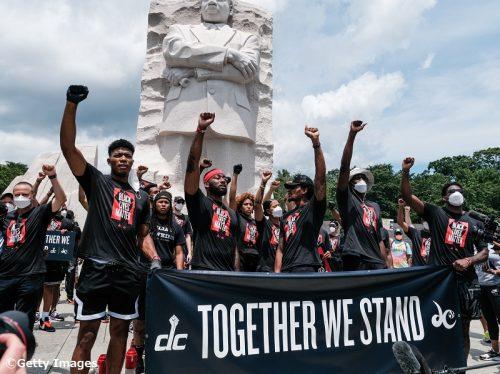 ワシントン・ウィザーズ、9選手がユニフォームに社会的メッセージを掲出