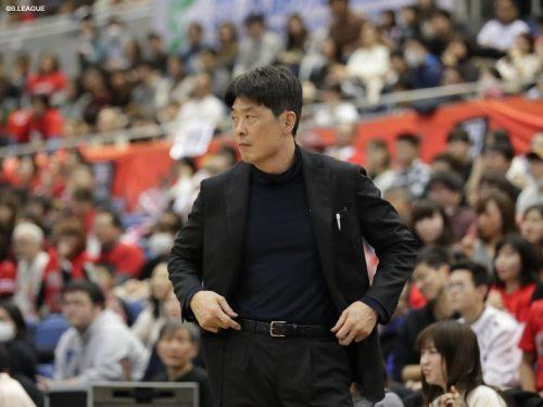 大阪エヴェッサが天日謙作HCの療養を発表、チームへの合流は12月から1月を予定