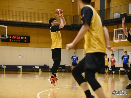 日本代表合宿参加中の金丸晃輔…「ライバルには負けたくない。シューターとしての役割を果たしたい」