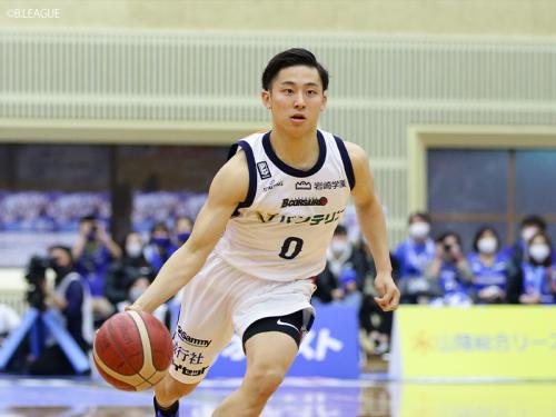 横浜ビー・コルセアーズ、河村勇輝はデビュー戦からチーム最多の5アシスト