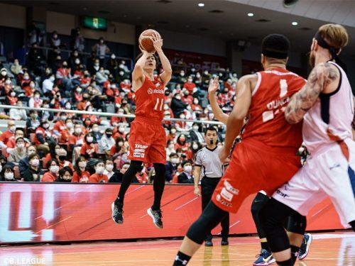 要所で西村文男の3ポイントが炸裂…横浜を突き放した千葉が11点差で勝利