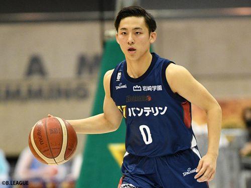 横浜の河村勇輝がホームデビュー戦を勝利で飾る。指揮官、主将が感じる彼の良い影響