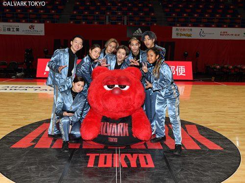 バスケファンも魅了! D.LEAGUEのダンスチーム『CyberAgent Legit』がBリーグのコートに初登場!!