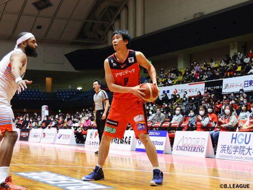 負傷者続出のチーム状況のなか、三遠の太田敦也が決意の代表参加「代表活動を通してみなさんに元気を…」
