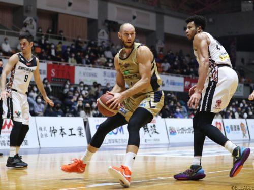 最後の沖縄市体育館での一戦、琉球が今季最多となる110点を挙げて大勝