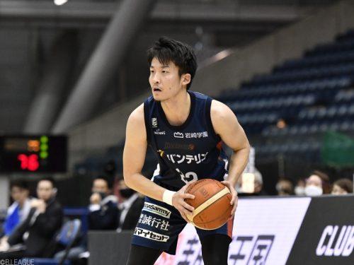 横浜の秋山皓太が練習中に負傷…右足関節捻挫による脛骨後果骨挫傷で4月下旬復帰