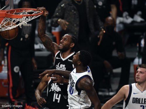 第7戦を制したクリッパーズが1回戦突破…ホークスは白星発進/NBAプレーオフ