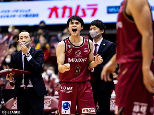 藤井祐眞が昨季に続きベストディフェンダー賞を受賞…「ディフェンスは気持ちが一番大きい」