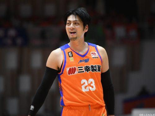 新潟が佐藤公威と契約継続「ファンの皆さまのために戦います」