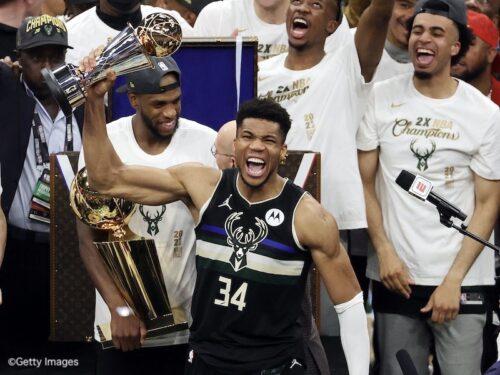 怒涛の4連勝でバックスが50年ぶり2回目の優勝…50得点のアデトクンボがMVP/NBAファイナル