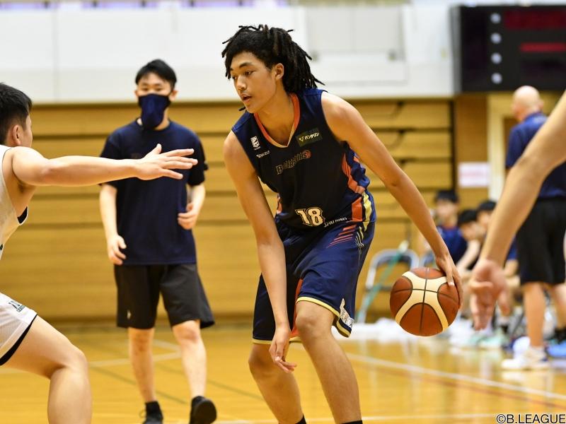 横浜がU18所属のジェイコブス晶を特別指定選手登録…17歳5ヶ月11日でB1最年少入団に   バスケットボールキング